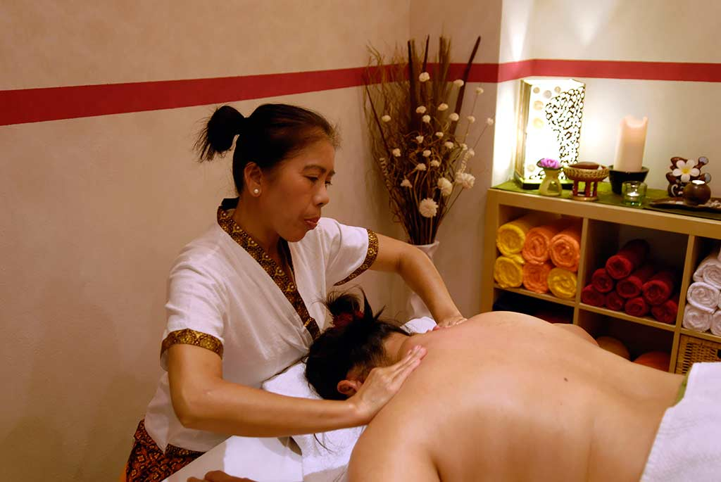nam thai massage lesbisk sex