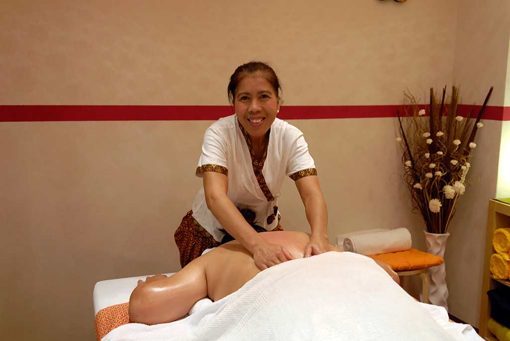 kinaree thai massage domina eskort